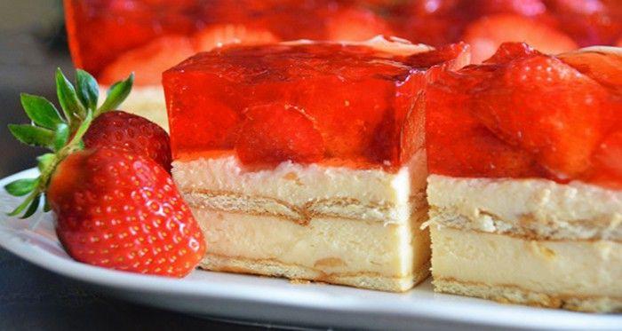 Perfektní kombinace - sladké, osvěžující. Těsto je velmi jednoduché na přípravu a dodá řezem lahodnou chuť!