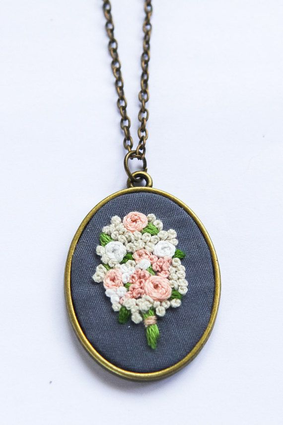 Hand Embroidered Bouquet Necklace Vintage от ThursdayCraftLove