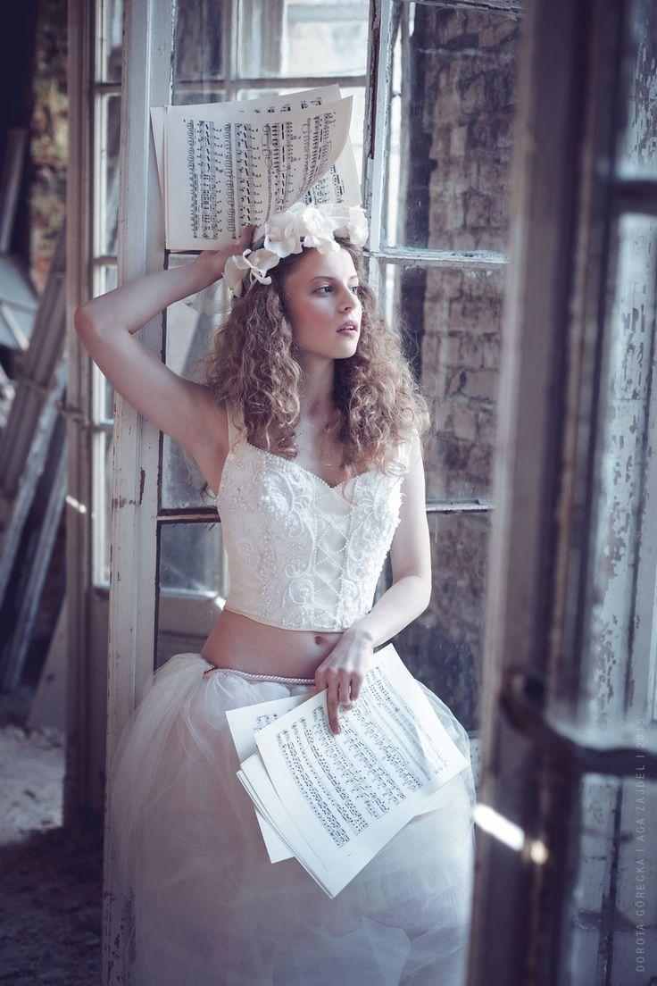 Model: Karina Bratkowska, mua: Aga Zajdel, designer: Magdalena Wilk-Dryło, photo: Dorota Górecka