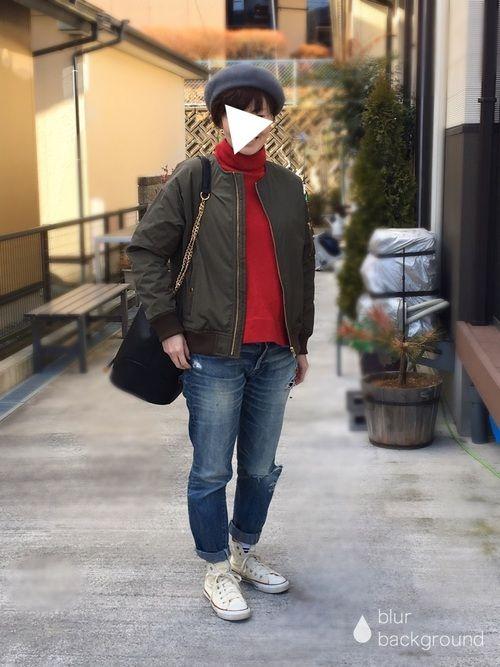 買ったはいいがなかなか着れなかった赤ニットを初めて着てみました😆 バッグは先週仙台に行った時に買っ
