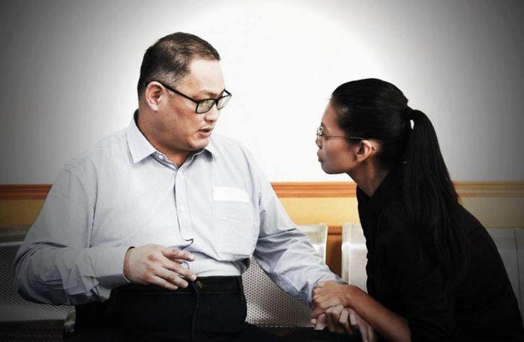 中國岳陽中級人民法院將於28日公開宣判,今年3月遭中共以涉嫌「顛覆國家政權罪」罪名羈押的台灣非政府組織工作者李明哲,中國女權運動及新聞撰稿人趙思樂今(25)日表示,李明哲的事件是一個很明顯的試探,因為這個人對中共一點也不重要,中共想看的是台灣社會和政府的反應,他還說,中共從來都是「欺軟怕硬」,台灣應該多看看香港的案例,然後在這樣的時候,台灣可以做得很多,也很必要。今天下午趙思樂到台北的福爾摩沙...