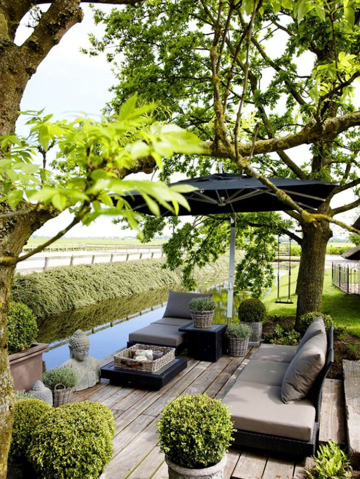 Bien aménagée, la terrasse invite au calme.