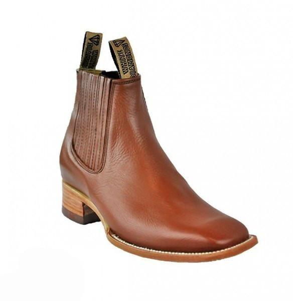 "Men's square toe ankle boot with leather sole & 1.5"" heal. Botin charro de piel punta cuadrada."