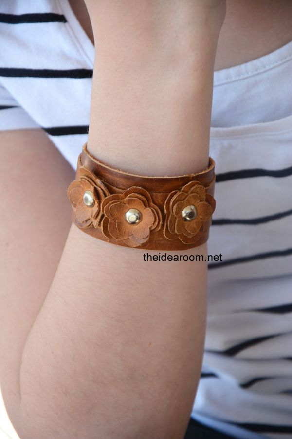 Leather bracelet diy. Spruce up any spring outfit with this cuff. #leather #bracelet #craft