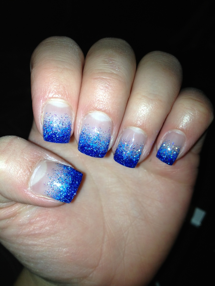 Gel nails light blue