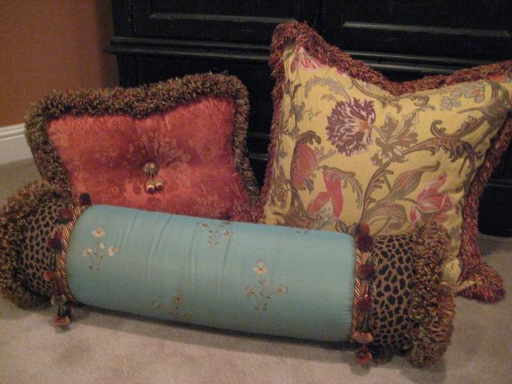 Decorative Pillow Ideas With Trims and Beads & 55 best Decorative pillows images on Pinterest | Decorative ... pillowsntoast.com