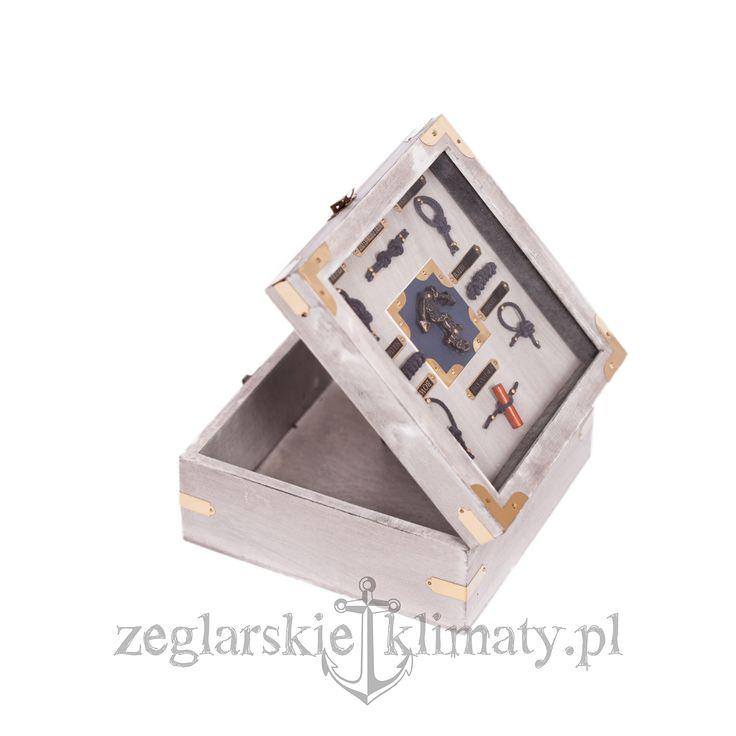 Wooden box with nodes http://zeglarskieklimaty.pl/pozostale-produkty/273-pudelko-z-wezlami.html