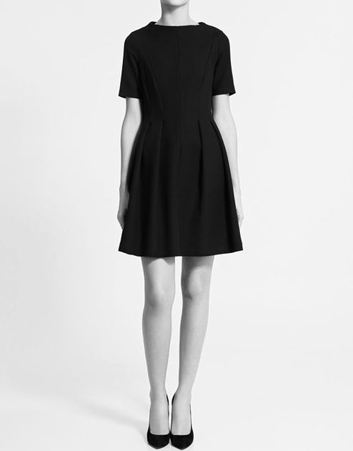,Post, Dresses Perfect, Parties Dresses, Style Dresses, Classic Style, Black Simple, Fashion Obsession, Little Black Dresses Simple, Fall Dresses