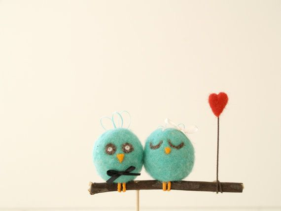 Wedding Cake Topper Love Birds, Robins Egg Bue, Unique Woodland, Needle Felted Bride and Groom, White Wool Cute red Heart, turquoise