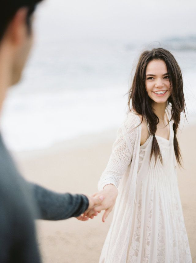 Laidback California Engagement Session | Real Weddings | Oncewed.com
