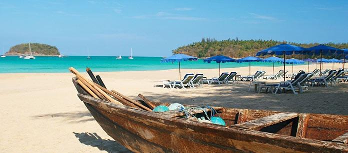 Charmiga Kata Beach har en lång sandstrand och flera hotell av hög klass. Här finns mycket att välja på: shopping, restauranger, nöjesliv, bad och andra aktiviteter.