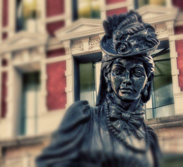 #laregenta #oviedo #estatua