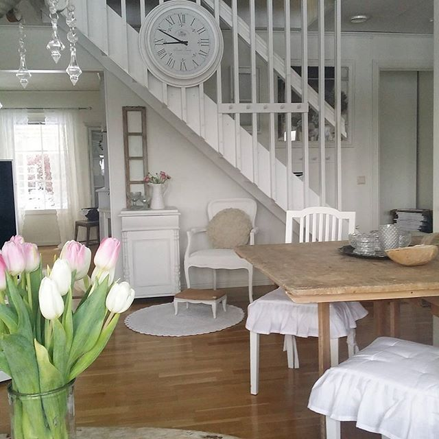 Shabby and Charming: Nordic shabby for a wonderful Swedish home