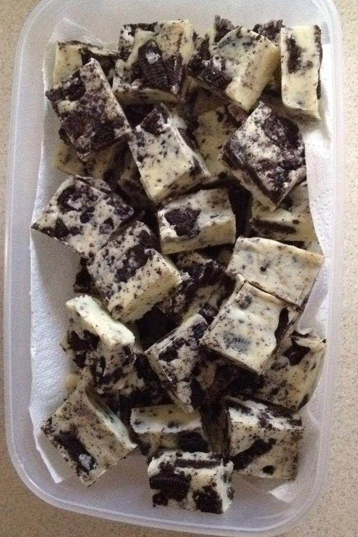 EmailTweet 13 Full-screen Oreo fudge Fudge September 1, 2015 Oreo fudge 5 0 5 1 Prep: 5 mins Cook: 45 mins 5 mins 45 mins 50 mins Yields: 24+ Ingredients600g White chocolate 1 tin 397g condensed milk 1 pack Oreo cookies (gently crushed) Directions1Melt the chocolate and condensed milk 2On high with no lid 3Stir …