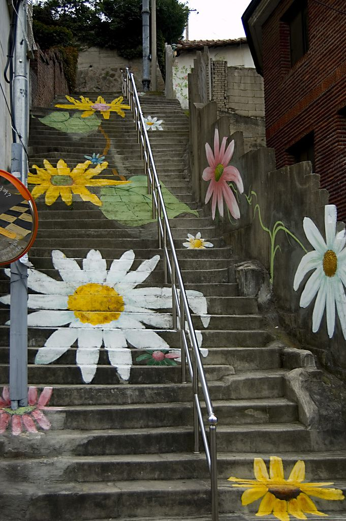 street art : flowers on concrete | (Source: appleday, via jammdrop)