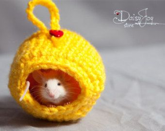 """""""Unique Small Pet Hamster Sugar Glider Hand Made Crochet Bed House"""" - I wouldn't use this for a glider .."""