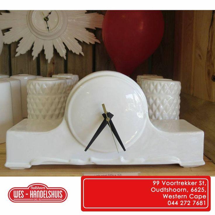 Have a look at this stunning ceramic clock from the Ceramic Factory, we have it for sale here at Wes-Handelshuis, what do you think of it? #oudtshoorn #ceramics Kyk na hierdie mooi klok wat ons van die Ceramic Factory gekry het, dit is te koop hier by Wes-Handelhuis, wat dink jy daarvan?