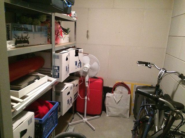 Genoeg opbergruimte voor bv koffer, backpack tas, tent, camping stoelen, fiets, gereedschap, eventueel tuinier spullen etc.