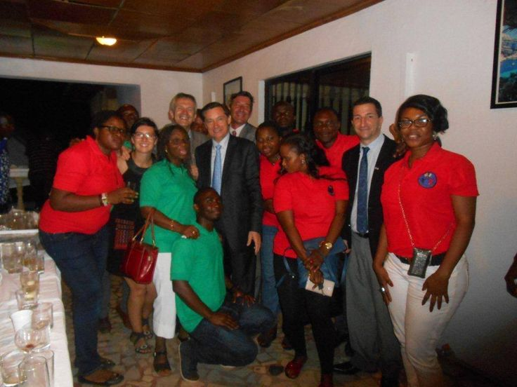 Clézio avec l'ambassadeur de France au Nigéria.