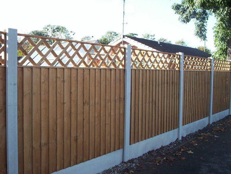 Concrete Slotted Posts, Smooth Faced Gravel Boards, 6ft x 4ft Feather Edge Fence Panels and 6ft x 1ft Diamond Trellis
