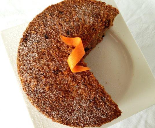Este bizcocho de zanahoria sin gluten es una versión mía de una receta fantástica. Prueba a ver si te gusta.