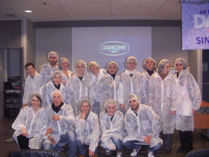 Los alumnos del Ciclo Formativo de Grado Superior de Dietética hicieron una visita a la fábrica de Danone en Aldaya (Valencia) - Colegio San Cristóbal - Castellón