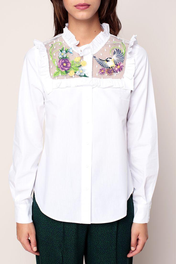 Chemise blanche empiècements en résille avec fleurs brodées