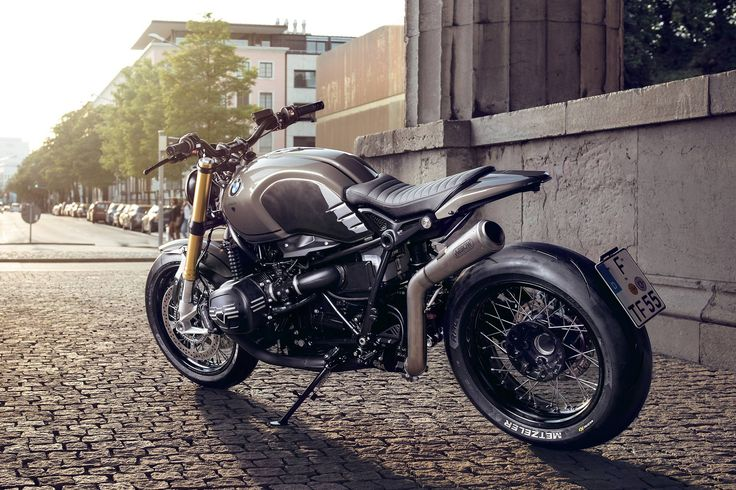 Costume Cafe Racers