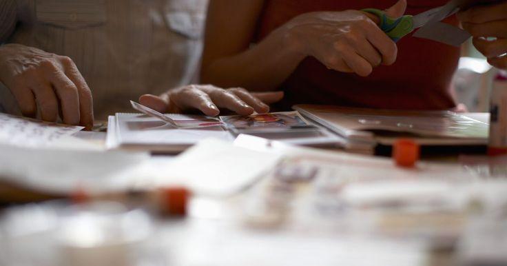 Como fazer seus próprios adesivos em alto relevo. Adesivos em alto relevo são uma ótima maneira de adicionar efeitos, palavras e imagens aos seus álbuns e cadernos. Eles acrescentam um belo efeito 3D para as suas páginas, e podem ser combinados com quase qualquer esquema de cores. Embora você possa comprá-los em qualquer loja de artesanato, também pode fazê-los você mesma para um design mais ...