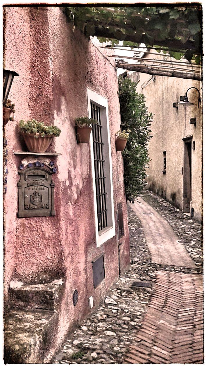 ...il rosa è più rosa a #Verezzi  - foto di Letizia Vercellino