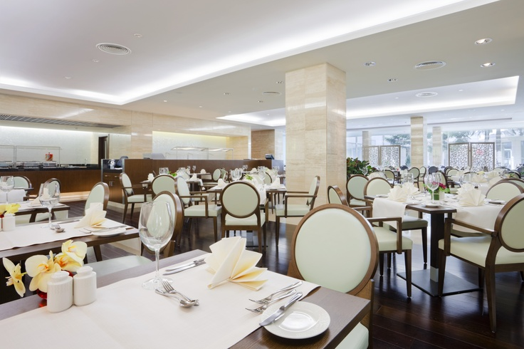 Brasserie Restaurant at the Crowne Plaza Hotel Bucharest