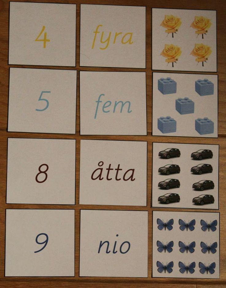 Matematik sortering med siffror, texter och bilder. Materialet är färgkodat enligt Montessoris lilla pärltrappa.