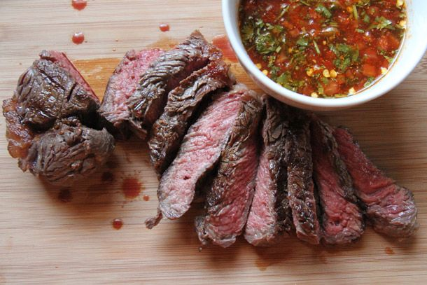 Crying Tiger (Thai-style grilled steak with dry chili dipping sauce!): Dry Chilis, Thai Style, Thai Styl Grilled, Grilled Steaks, Cry Tigers, Dips Sauces, Chilis Dips, Dipping Sauces, Tigers Thai Styl