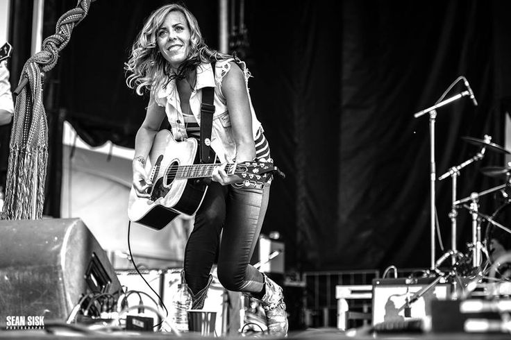 Amanda Rheaume - Possessed of a powerful, slightly gritty singing voice and an ear for catchy melodies and instantly-accessible roots-pop arrangements, Amanda won a 2014 Canadian Folk Music Award for Aboriginal Songwriter of the Year and was nominated for a Juno.  Rheaume has released four albums Holding Patterns (2016),  Keep a Fire (2013), Light of Another Day (2011), and Acoustic Christmas (2009).