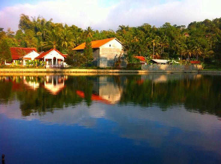 Twitter / _febrian: Situ Cigirang, Cigugur, Kuningan, Jawa Barat pagi ini. :)) #pulkam5 @pulkam pic.twitter.com/Ktbt6d3tKa