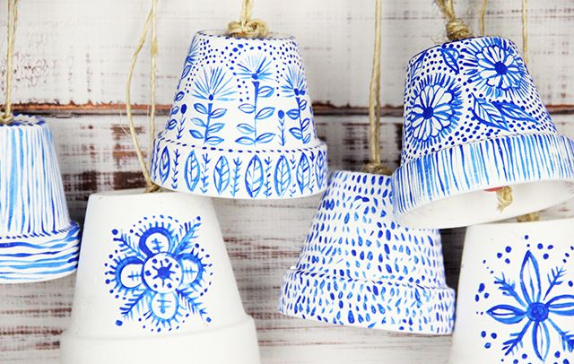 alisaburke: flower pot bells. Super cute. Love these designs (for bell or just as pots) Más
