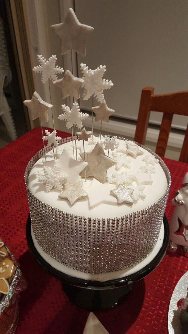 Christmas star snow flake cake