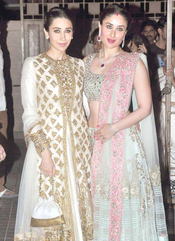 The Kapoor sisters, Karisma Kapoor and Kareena Kapoor, looking gorgeous at Soha Ali Khan, Kunal Khemu's wedding reception. (Both wearing Manish Malhotra)