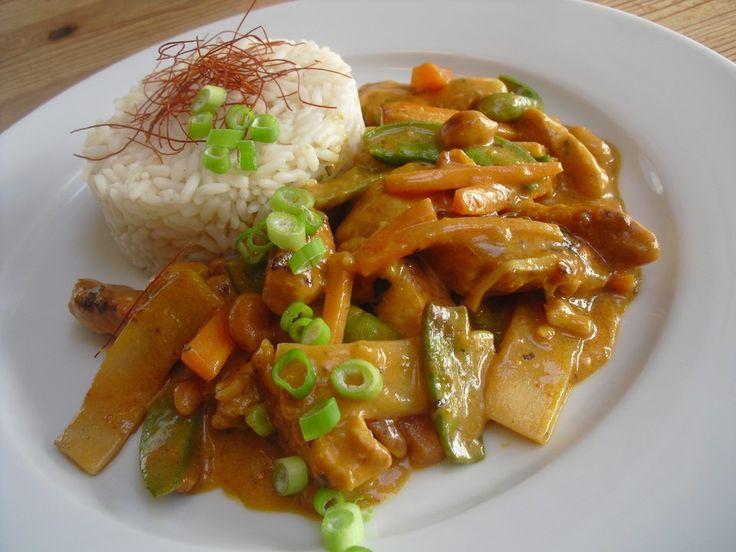 Thai Curry Erdnuss - Kokos - Hühnchen, ein tolles Rezept aus der Kategorie Geflügel. Bewertungen: 271. Durchschnitt: Ø 4,7.