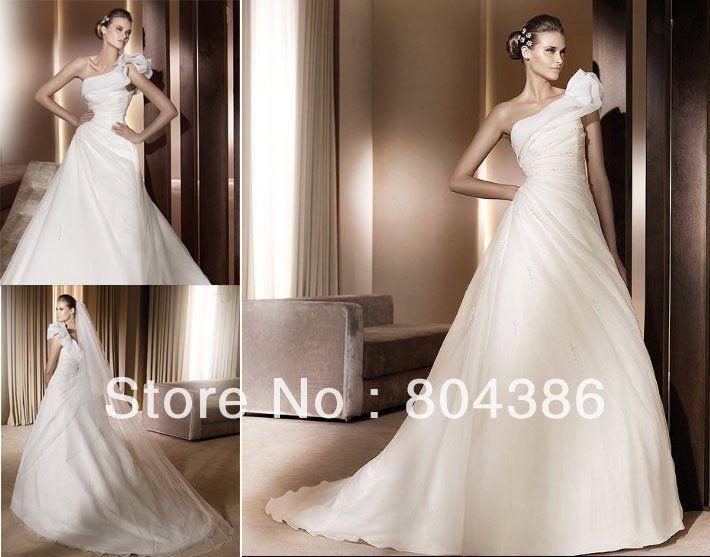 Купить товарW62 одно плечо оборками белый элегантный органзы бисером дизайнер свадебных платьев 2013 в категории Свадебные платьяна AliExpress.   W62 одно плечо складки белой Элегантный органзы бисером дизайнерские свадебные платья 2013