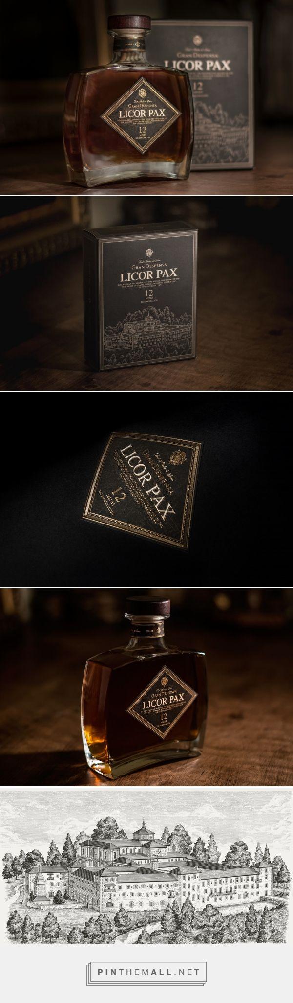 Licor PAX packaging design by Dosdelugo Agencia Creativa - http://www.packagingoftheworld.com/2017/10/licor-pax.html
