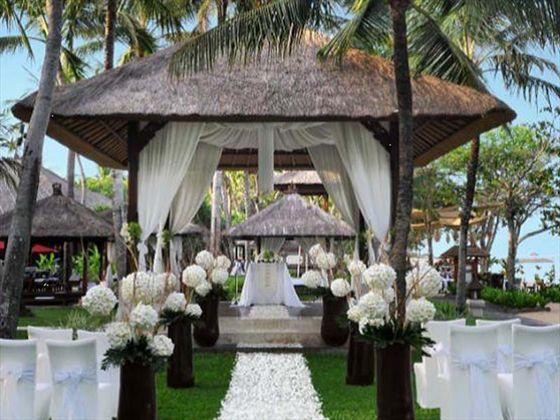 The Laguna Resort & Spa, Bali. Wedding ceremony.