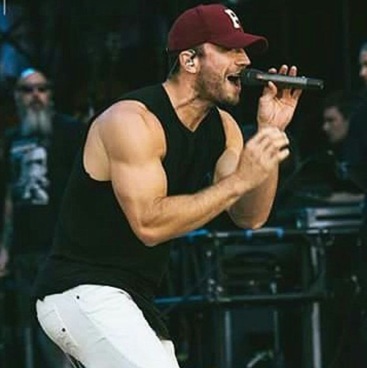 Whew.Sam Hunt is a newly-married man but that doesn't mean we can't still bask in his gorgeousness. His smile, body, talent, and jawline are enough to make any girl fall in love. Since it's a little