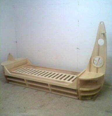 postel - loď  a boat - bed