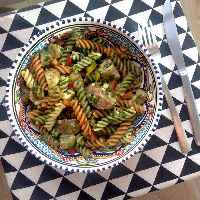 Recept: Koude pastasalade met salami en mozzarella a la Kristel