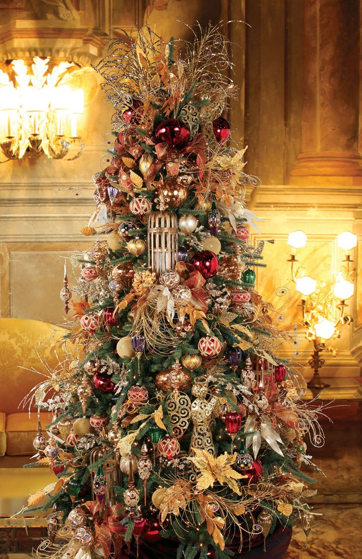 .Pretty tree with lots of ornaments!