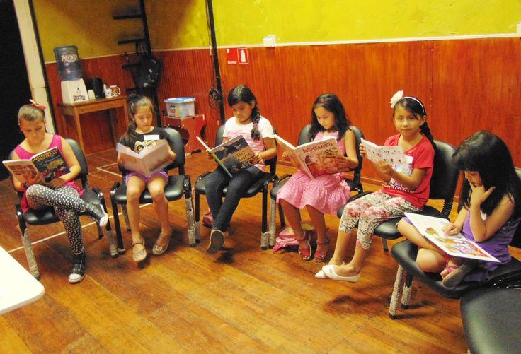 Esta fue la primera sesión del Club de lectura infantil, lo pasamos muy bien :)  Más información aquí: http://luiseduardovivero.com/clublecturainfantil