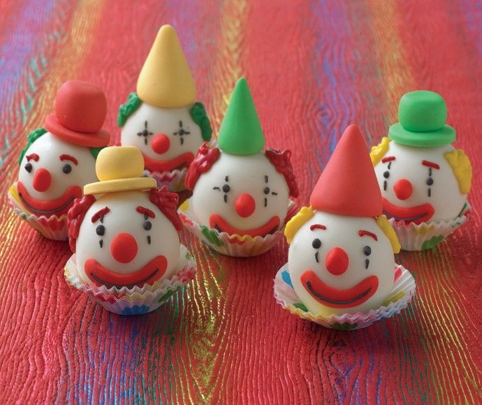 clown donut holes - Velata's White chocolate would be perfect! Just right for a kids birthday party!!