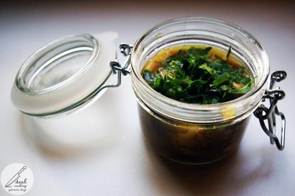 Banalna zupa z wędzonej makreli, z suszonymi śliwkami - Przepis   Potrawy   Zupy   Sałatki   Ciasta   Wrząca Kuchnia