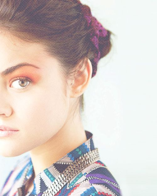: Lucy Hale, Celebrity, Shorts Hair Colors, Eye Colors, Pretty Makeup, Bold Eyebrows, Celebs, Shorts Hair Style, Beautiful People